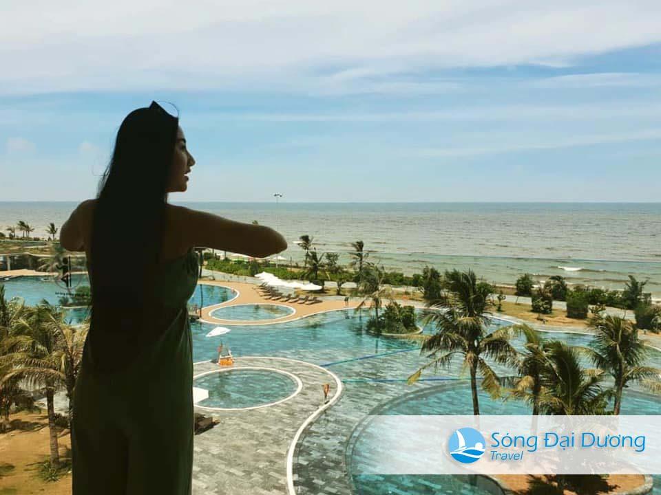 Check in bể bơi nước mặn FLC Sầm Sơn
