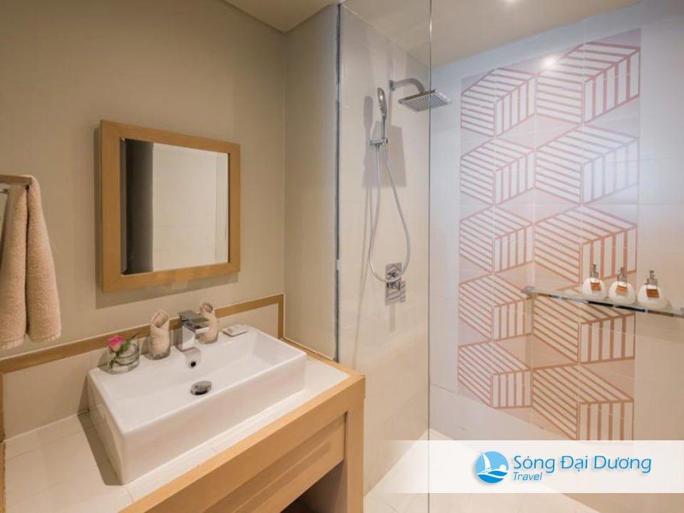 nhà vệ sinh phòng Studio Suite Sầm Sơn