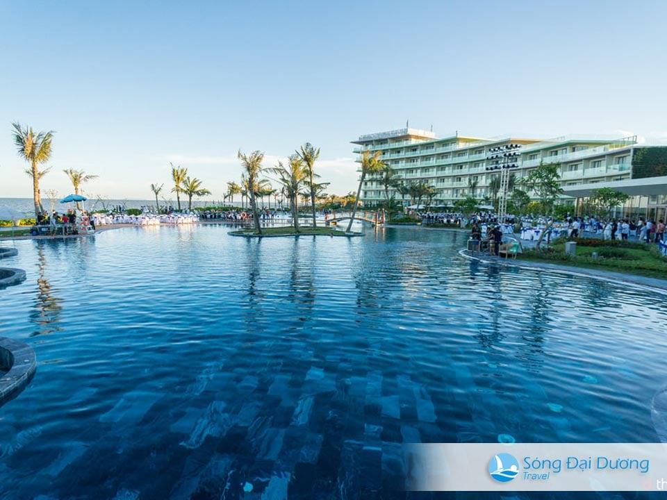 Bể bơi vô cực FLC Luxury Hotel Sầm Sơn