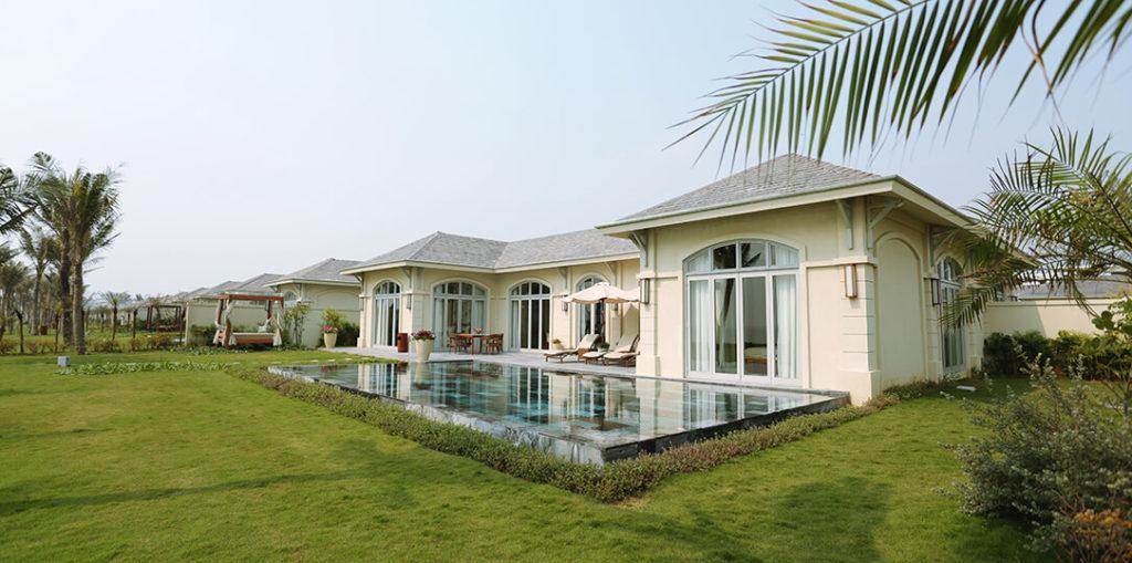 Bể bơi ở Seaview-Villa