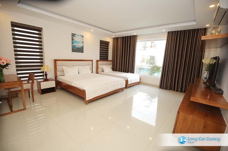 Phòng ngủ lớn mang phong cách thiết kế hiện đại