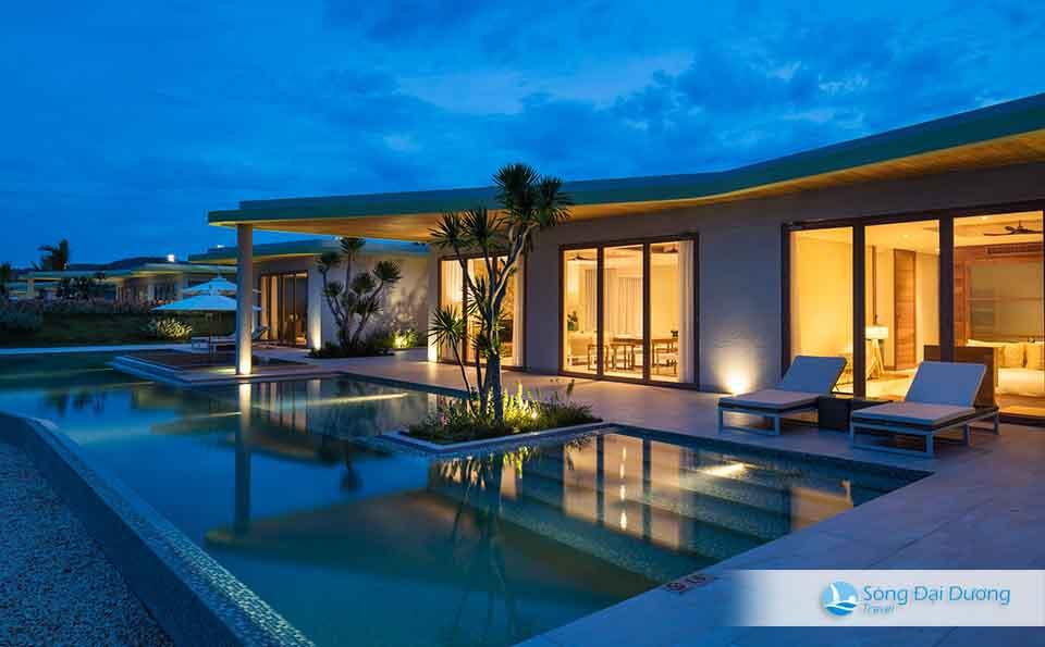 Five-bedroom Villa / Villa 5 phòng ngủ cao cấp hướng nhìn ra biển
