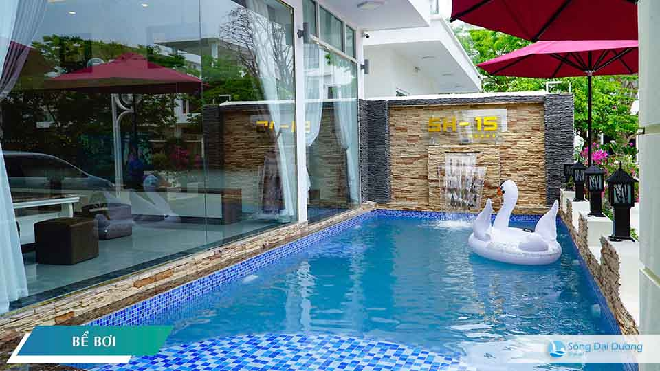 bể bơi tại villa