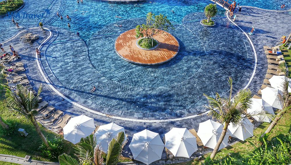 bể bơi nước mặn
