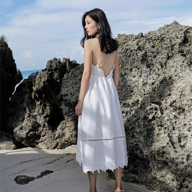 váy đan dây - đi du lịch biển mặc gì đẹp