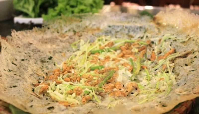 Bánh khoái tép Sầm Sơn