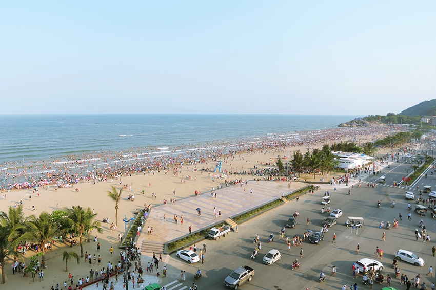 Toàn cảnh bãi biển Sầm Sơn
