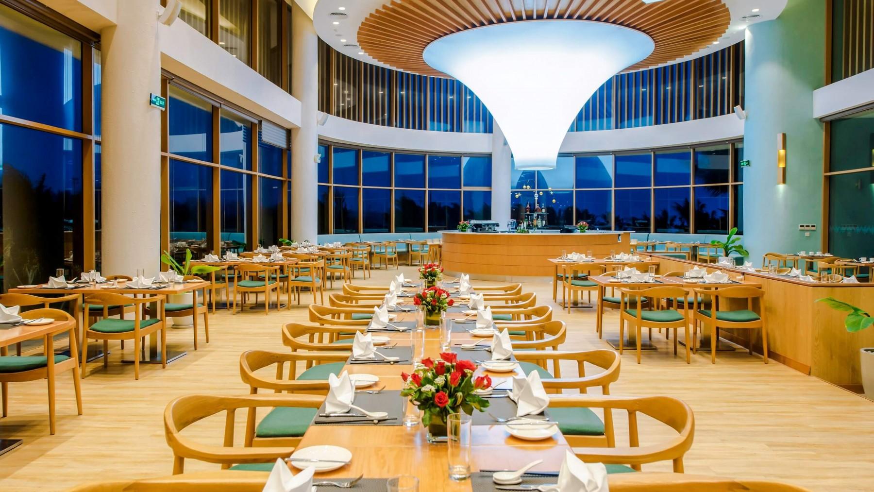 Terrace Bay - Nhà hàng chính củaFLC Luxury Hotel Quy Nhon