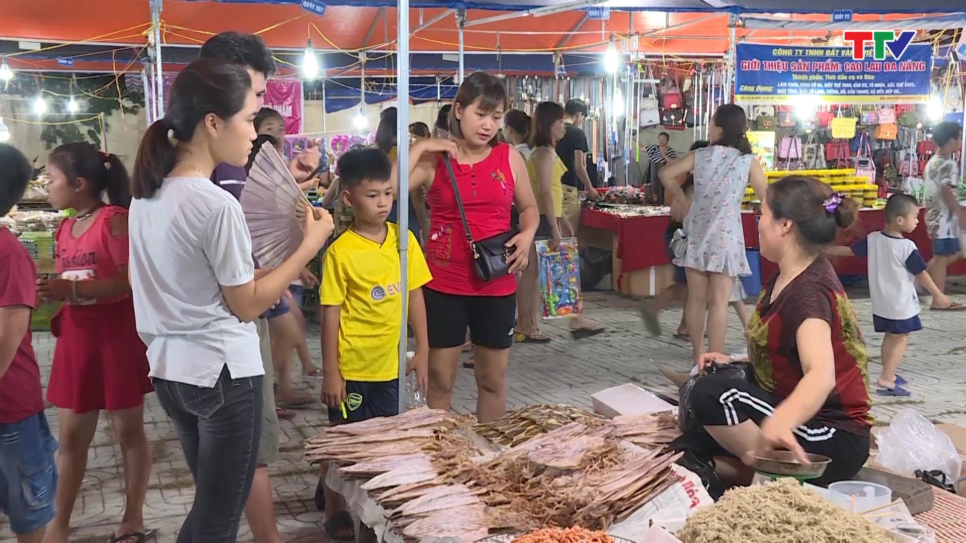 chợ đêm sầm sơn bán hải sản