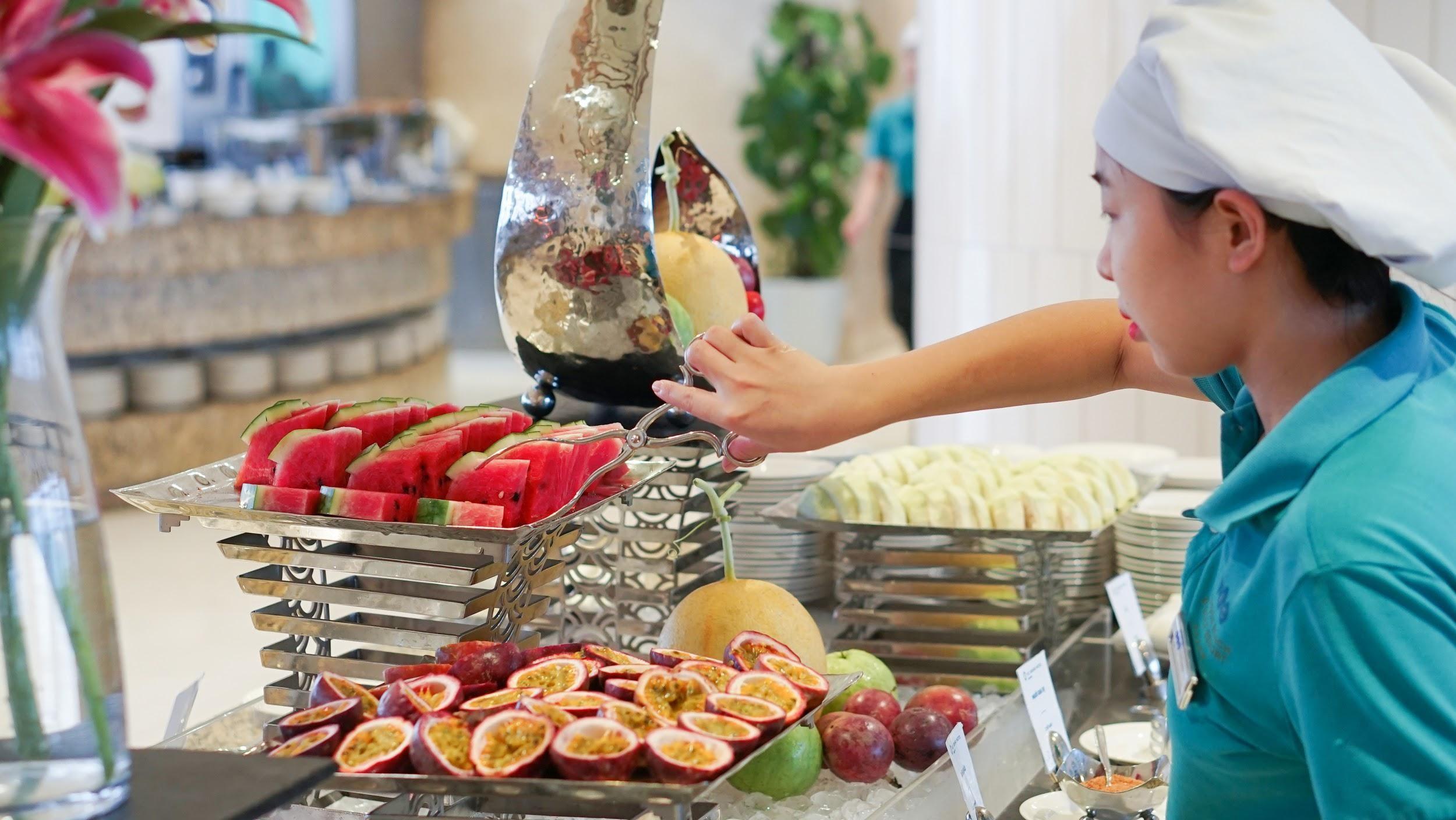 Buffet sáng sịn sò tại FLC Sầm Sơn