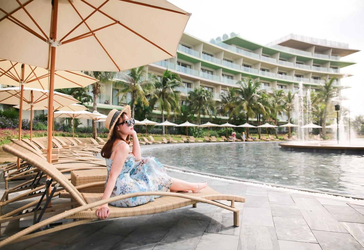 bể bơi nước mặn lớn nhất Việt Nam - du lịch sầm sơn nên đi đâu